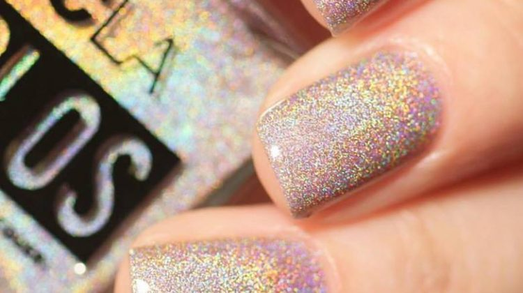 Is Holographic Nail Polish the New Trend?