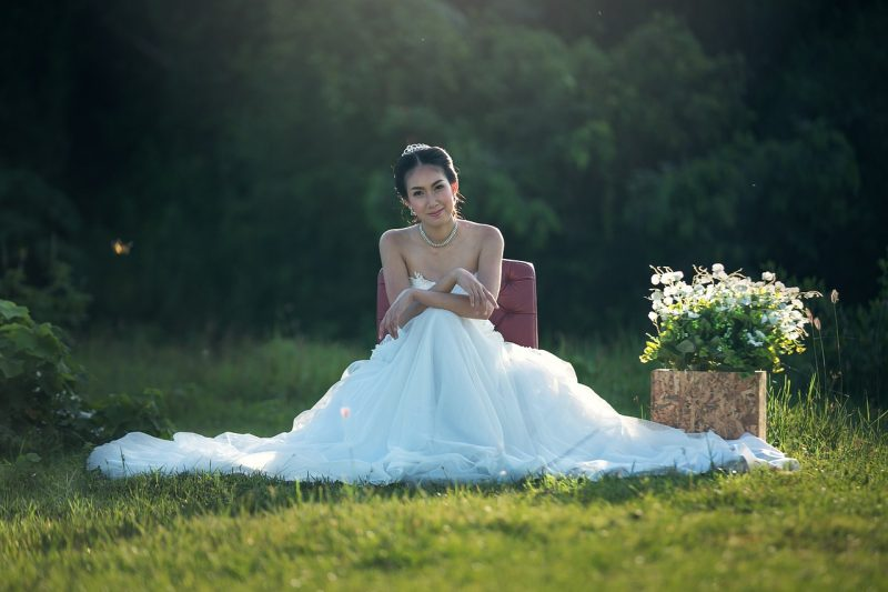 4 Top Things To Consider Before Shopping For The Right Wedding Dress