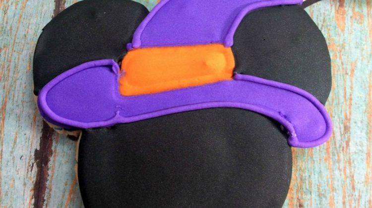 Mickey Mouse Halloween Sugar Cookies #FunHalloween18