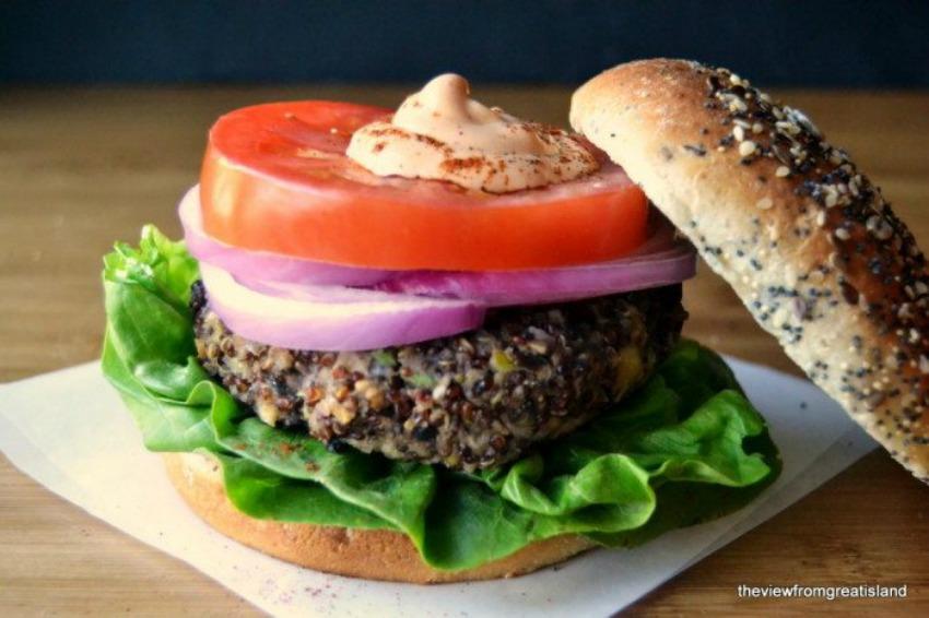Red Quinoa and Black Bean Veggie Burgers
