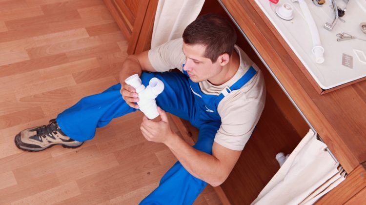 6 Things to Consider Before Hiring a Plumber