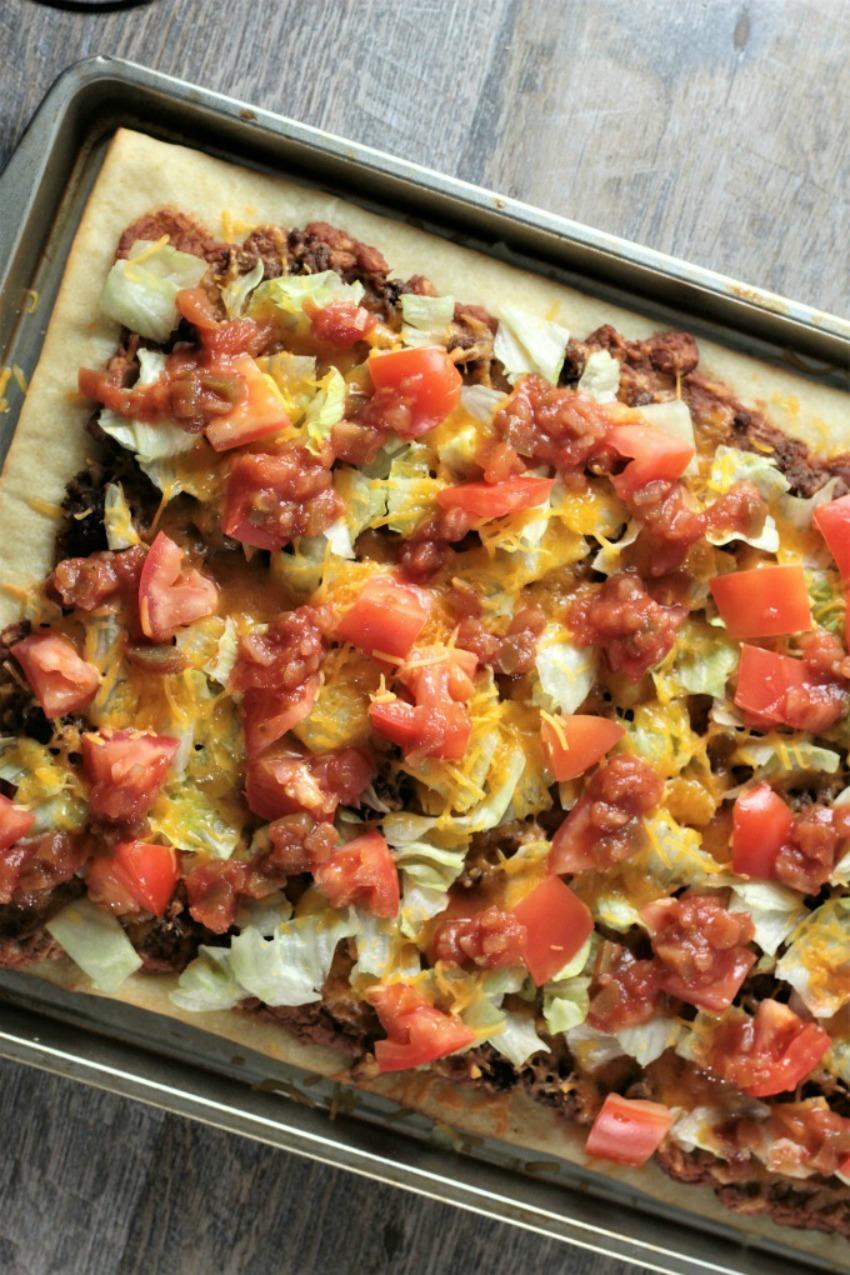 Super Easy Taco Pizza