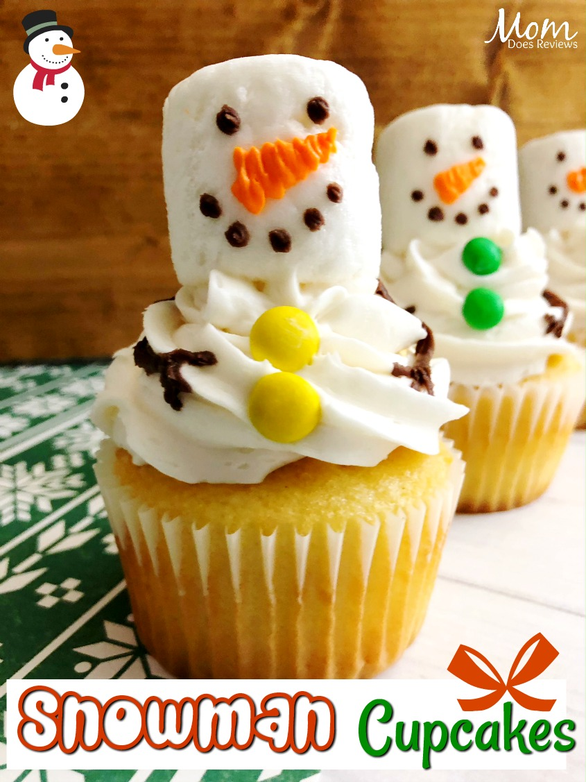 Easy Snowman Cupcakes #desserts #christmas #diy #cupcakes #snowman