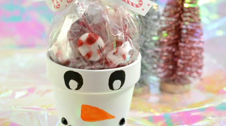 DIY Snowman Painted Pot with Candies