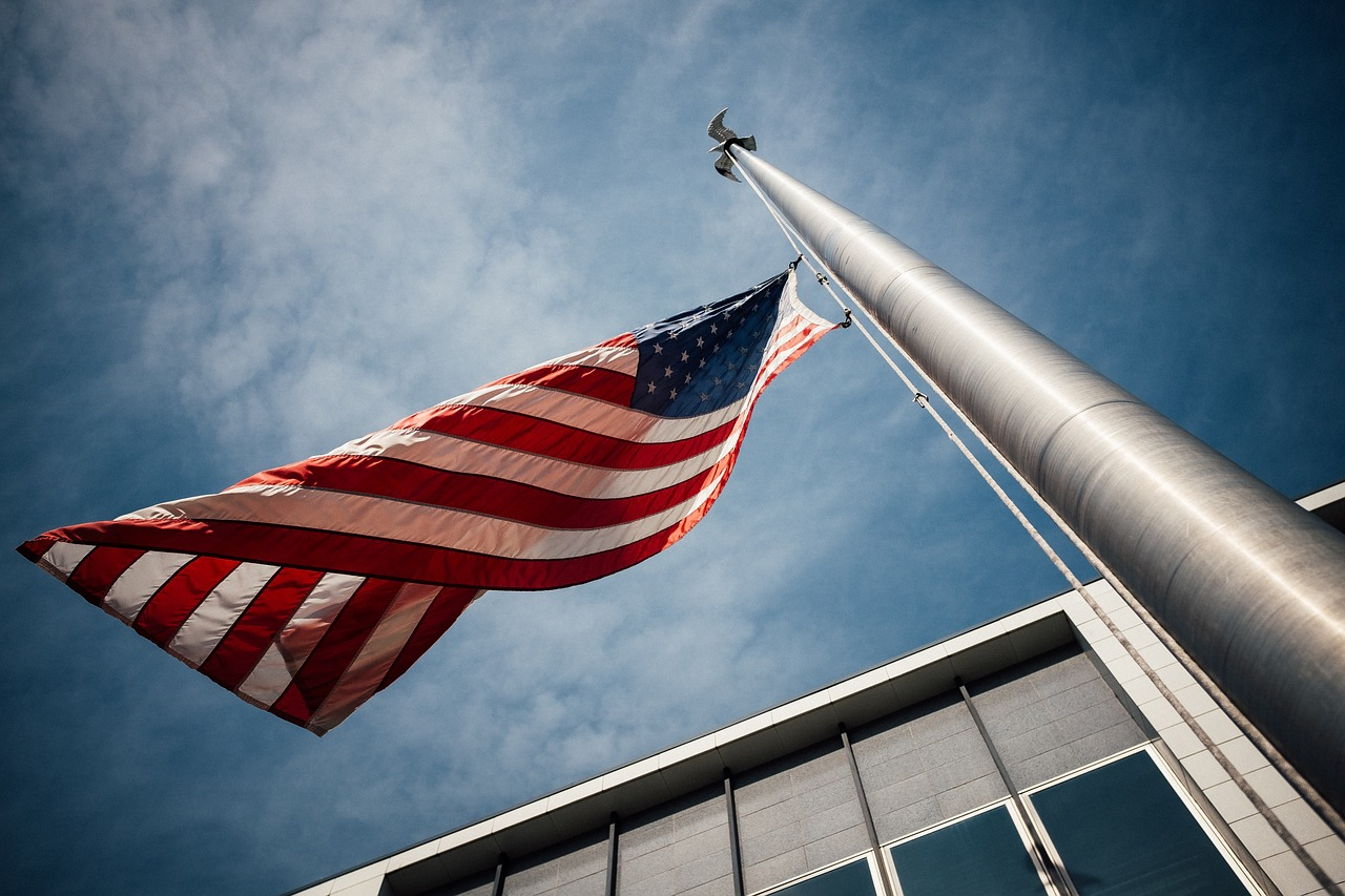 How To Choose Best Lighting For Your Flagpole
