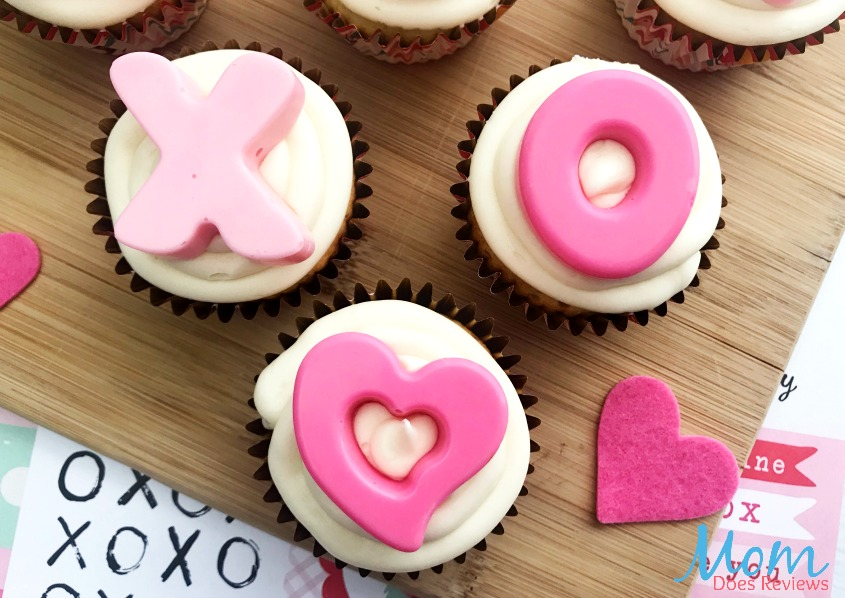 Valentine Hugs and Kisses Cupcakes