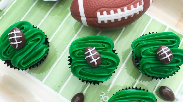 Easy Football Cupcakes for the Big Game!