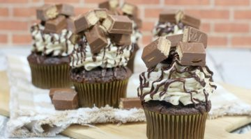 Deliciously EXTREME Kit Kat Cupcakes
