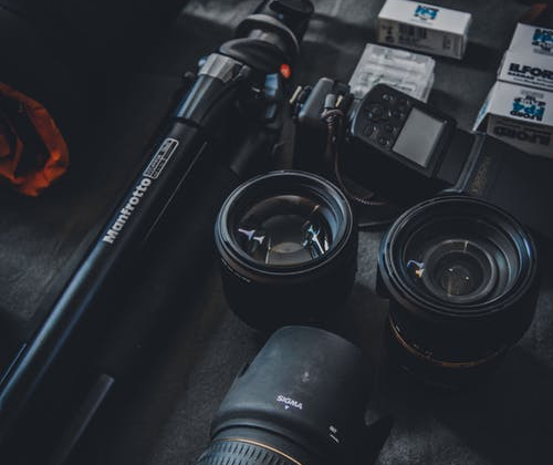 Capturing the Moment: The Ultimate Guide to Buying a Travel Camera