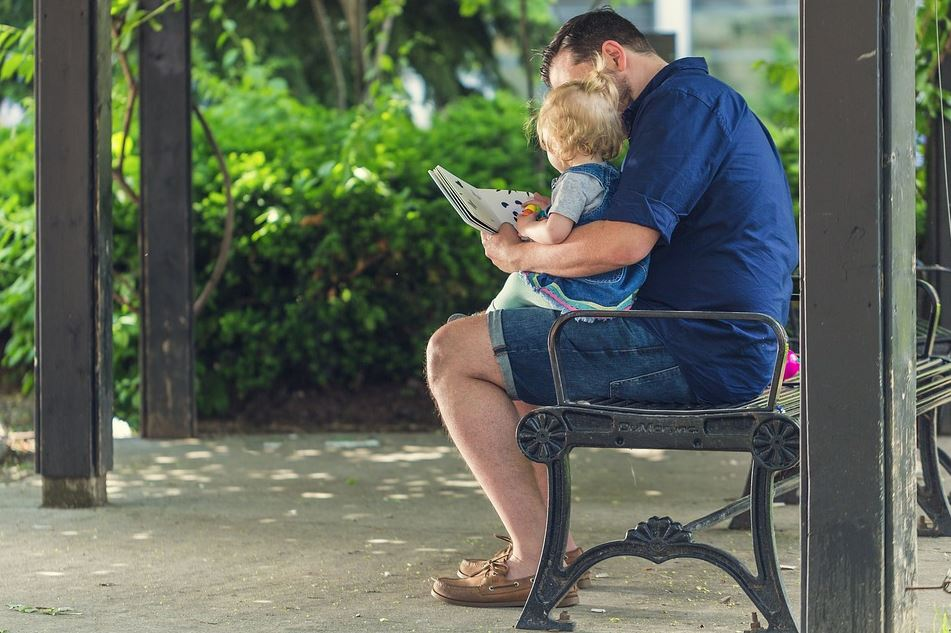 4 Helpful Techniques for Parents Teaching Children to Read