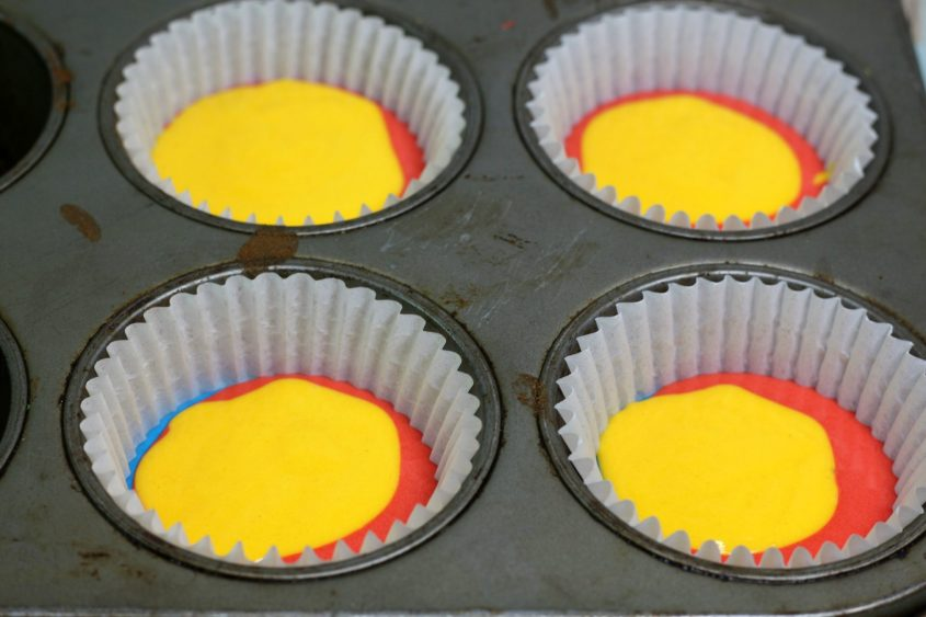 Captain marvel cupcakes in process