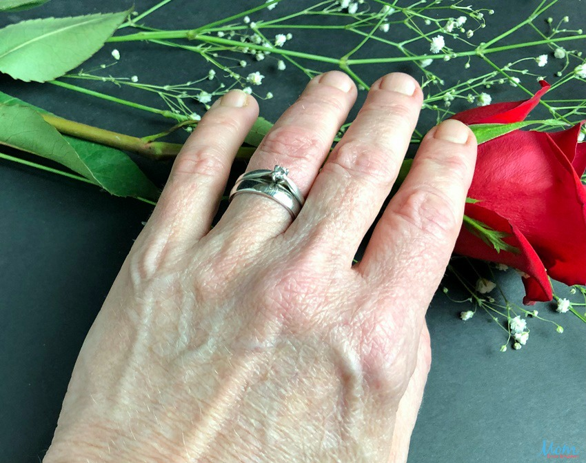 Surprise Your Loved One with an Elegant Ring from Find U Rings #SpringFunonMDR