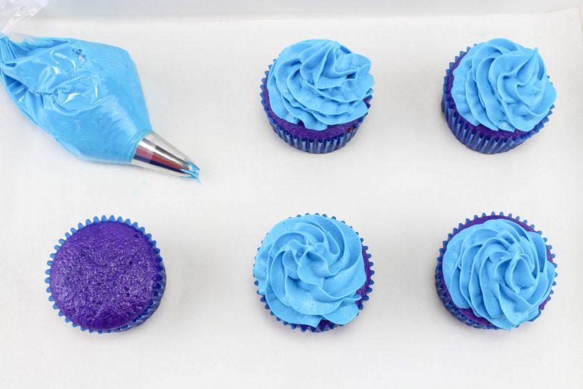 Aladdin Cupcakes with Magical Genie Lamps! #Aladdin