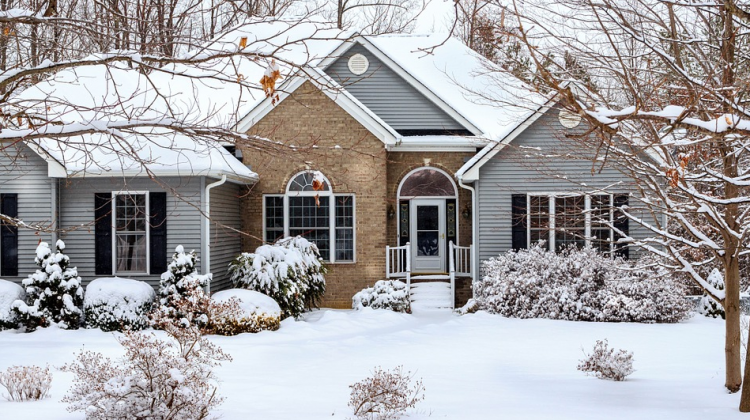 Transitioning Seasons: 4 Tips for Servicing Your Furnace When Winter Ends