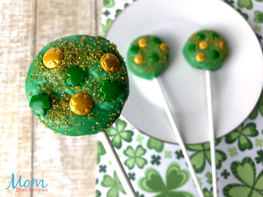 Lucky St. Patrick's Day Oreo Pops