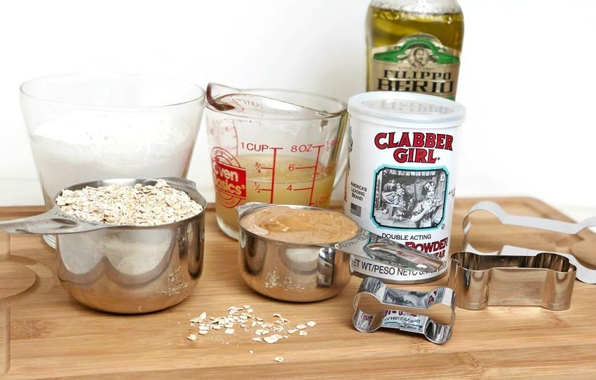 Applesauce Peanut Butter Dog Treats ingredients