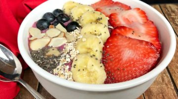 Berrylicious Smoothie Bowl Recipe: Easy, Quick and Satisfying!