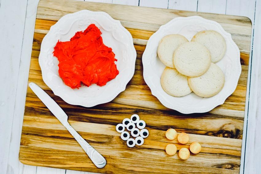 Easy Elmo Cookies Tutorial process 1