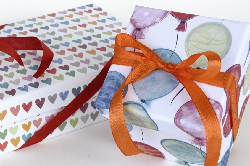 How to Choose the Best Gift-Wrapping Paper in Bulk