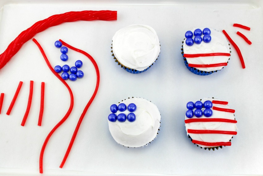 American Flag Cupcakes process