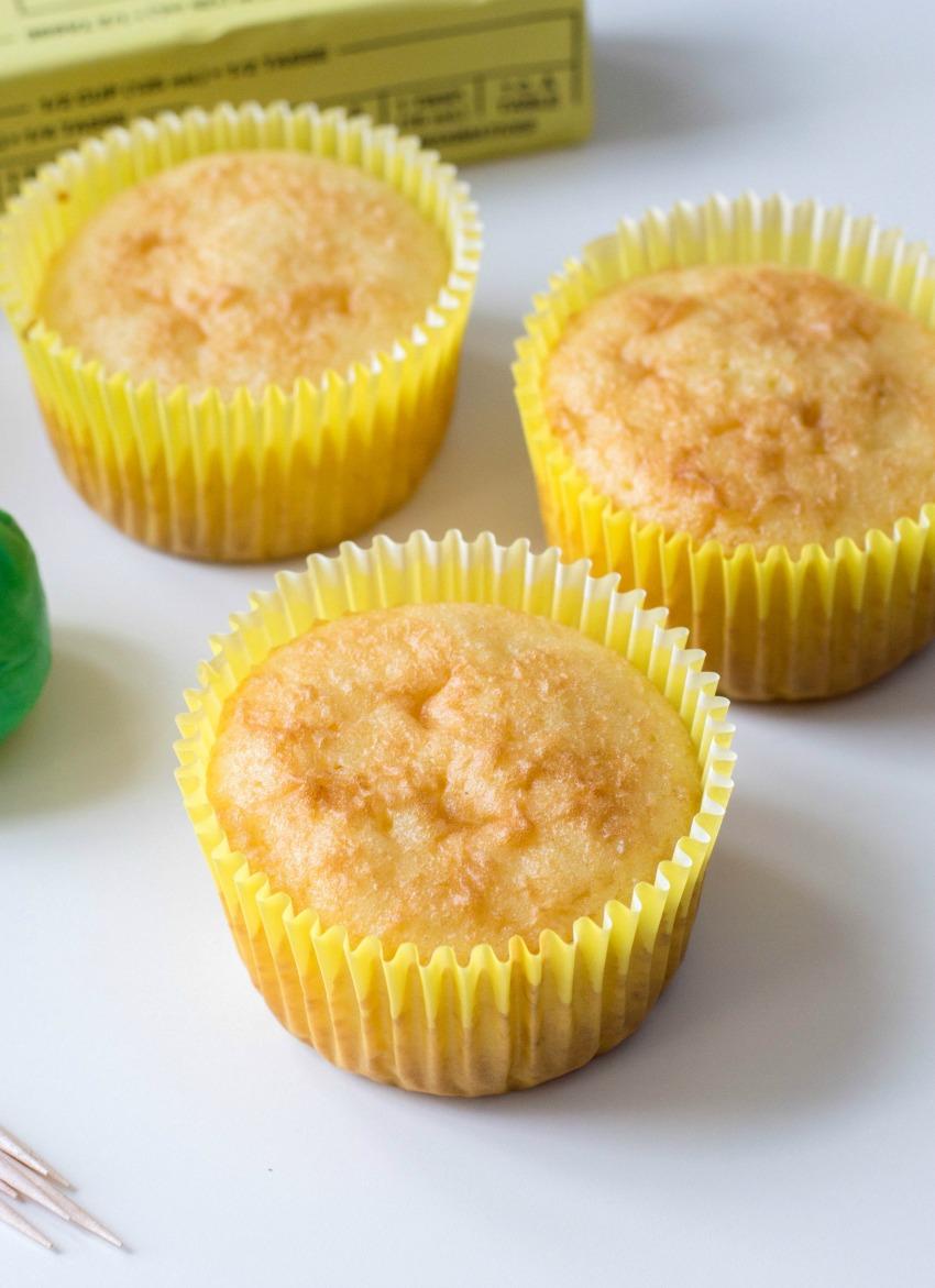 Apple Fondant Cupcakes process