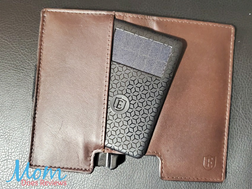 Give Dad Peace of Mind with the Ekster® Wallet and Tracker