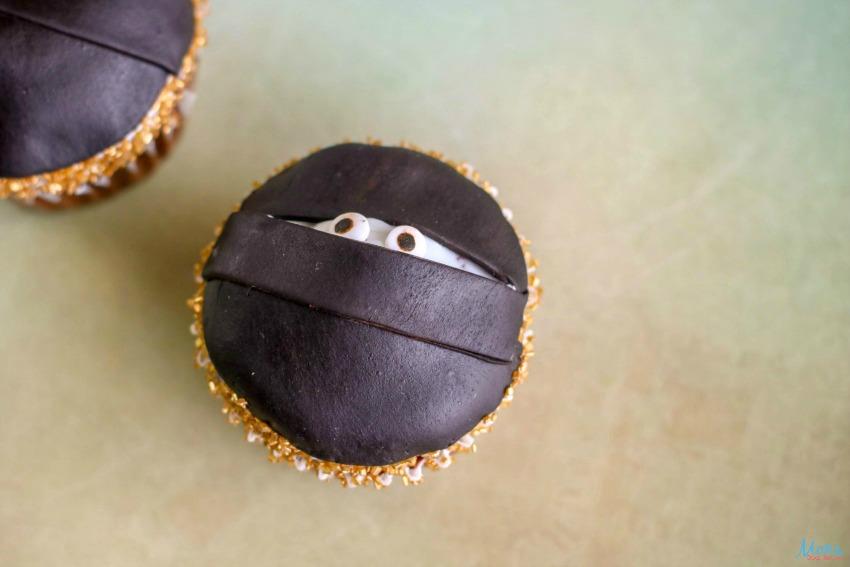 Ninja Cupcakes - An Easy Tutorial