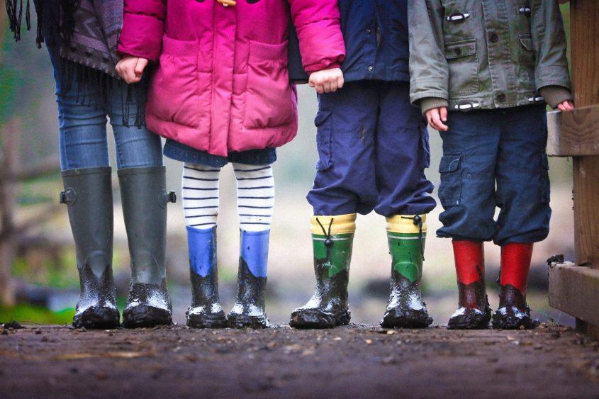Pros and Cons of Raising Bilingual Children
