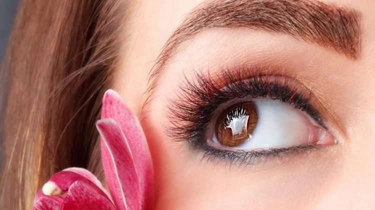 3 Things You Should Know About Eyelash Extensions