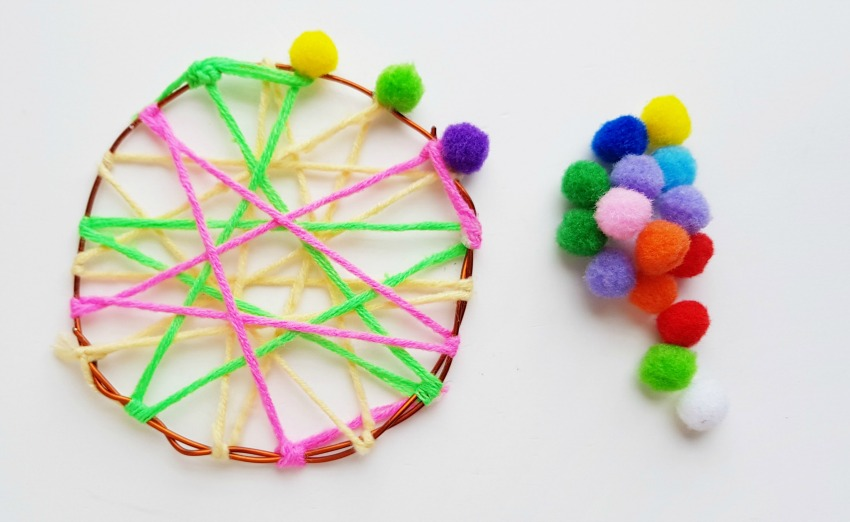 Fun Dreamcatcher Craft process