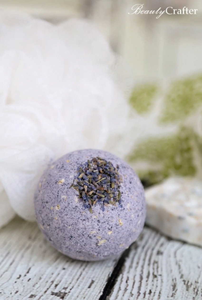 Soothing Lavender Oatmeal Bath Bombs