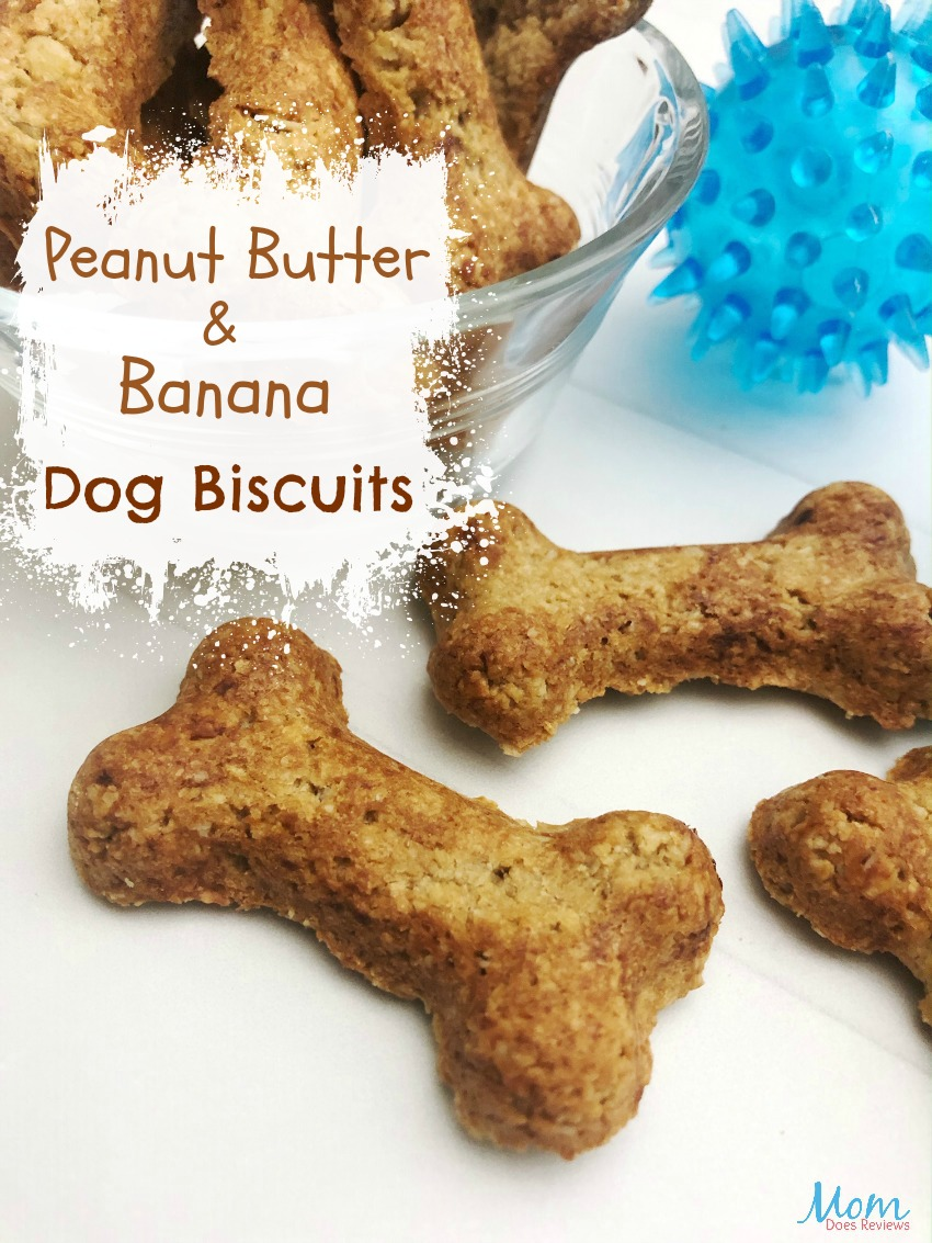 Peanut Butter and Banana Dog Biscuits #pets #pettreats #dogs #peanutbutter