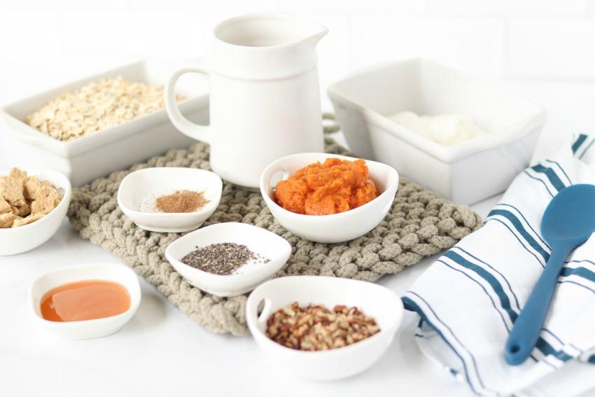 Caramel Pumpkin Pie Overnight Oats Recipe ingredients