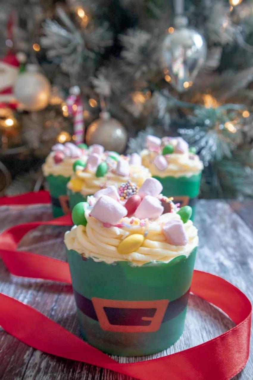 Buddy the Elf Breakfast Spaghetti Cupcakes