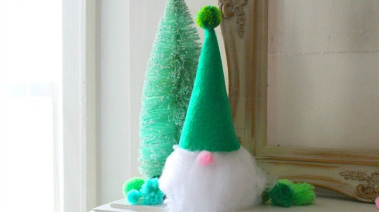 Cute & Easy Christmas Gnome Craft