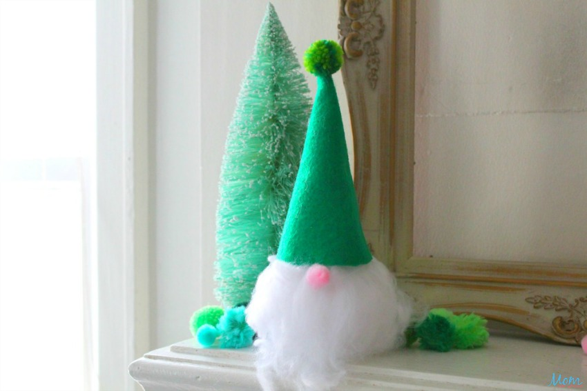Cute & Easy Christmas Gnome Craft