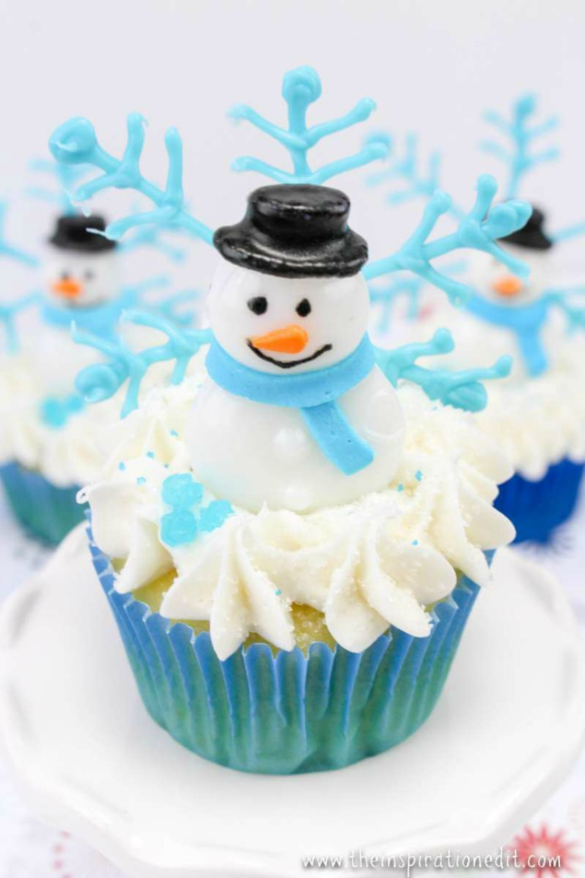 Funky Winter Snowman Cupcakes