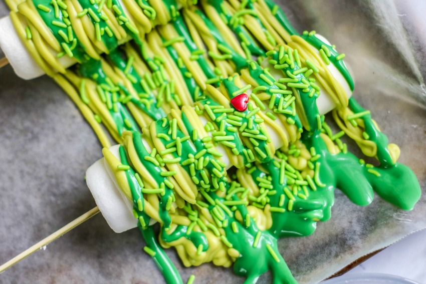 Grinch Marshmallow Pops Process