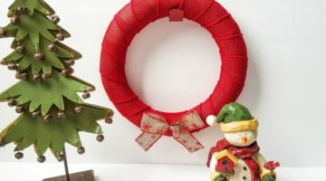 DIY Red Burlap Bow Wreath