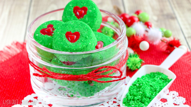 DIY Grinch Christmas Bath Bombs