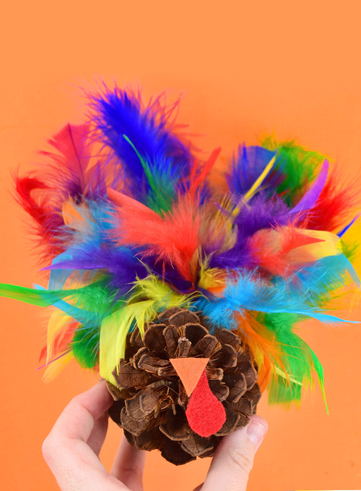 Easy Pine Cone Turkey Craft
