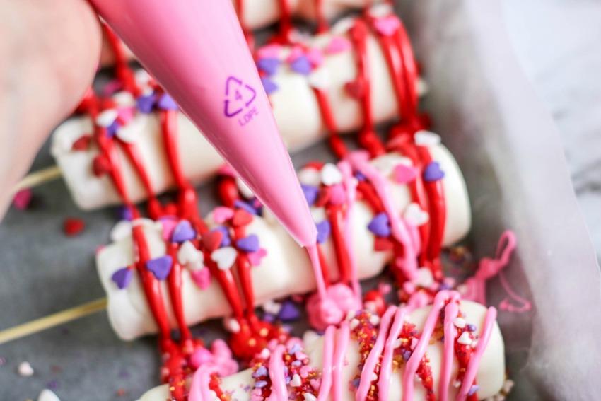 Valentine's Day Marshmallow Pops process