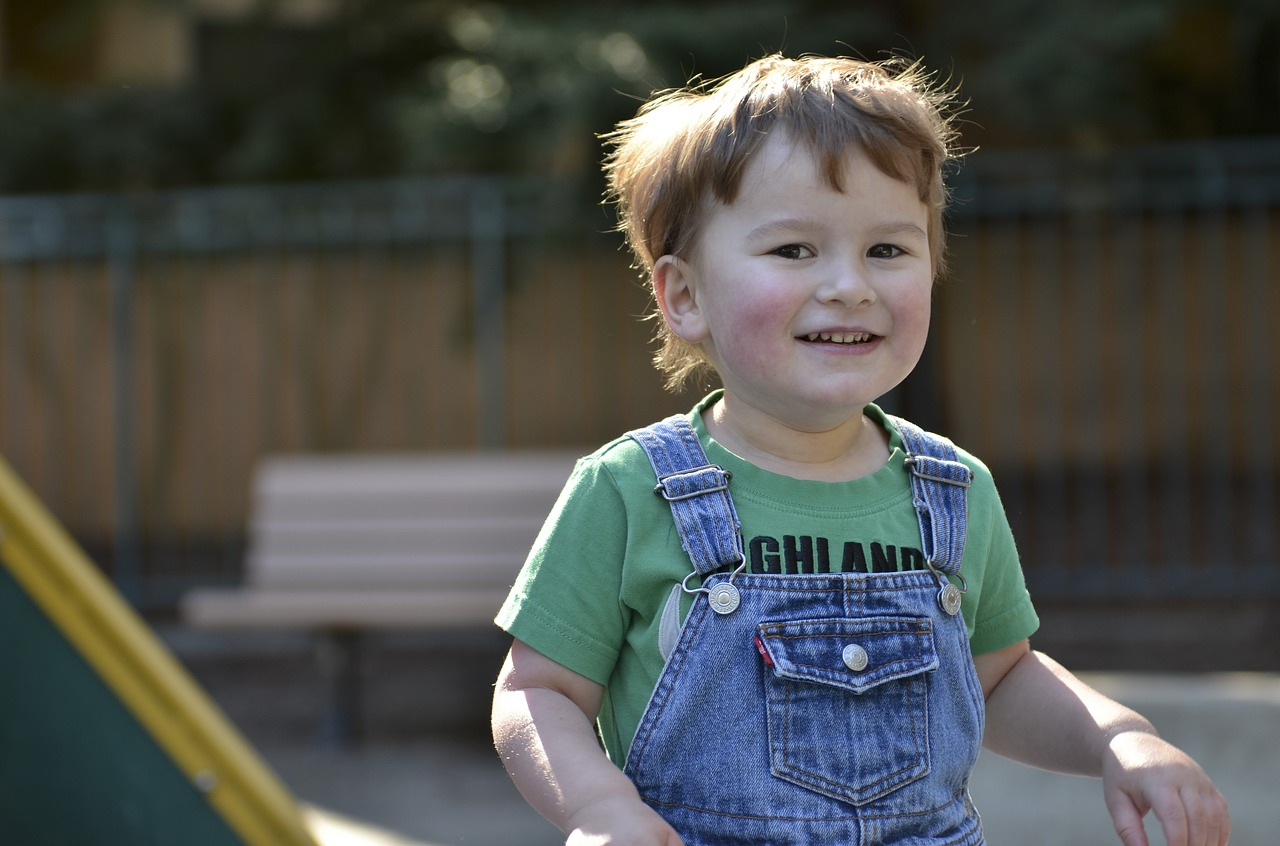 Keeping Your Autistic Child Happy in 8 Steps