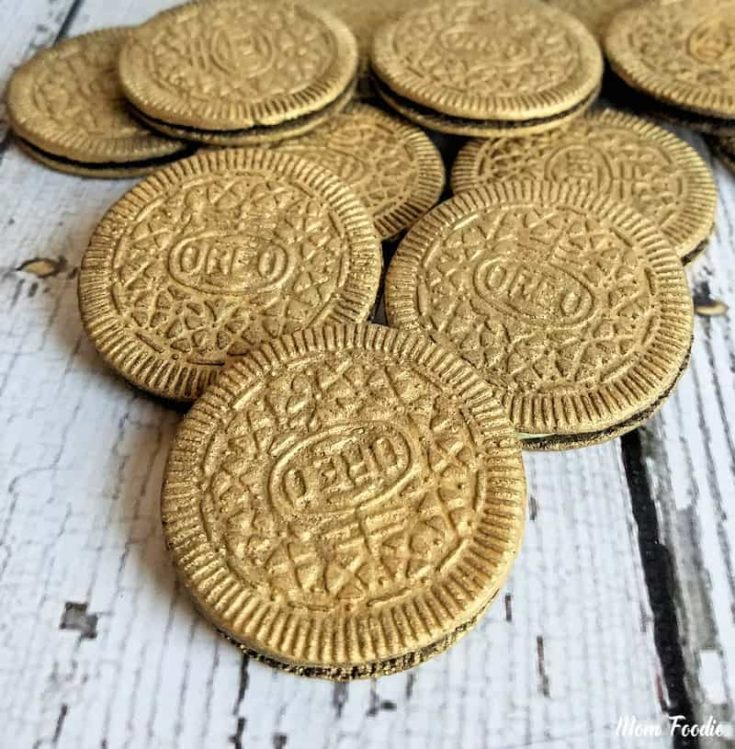 Edible Gold Covered Oreos for St. Patrick's Day: Leprechaun Loot
