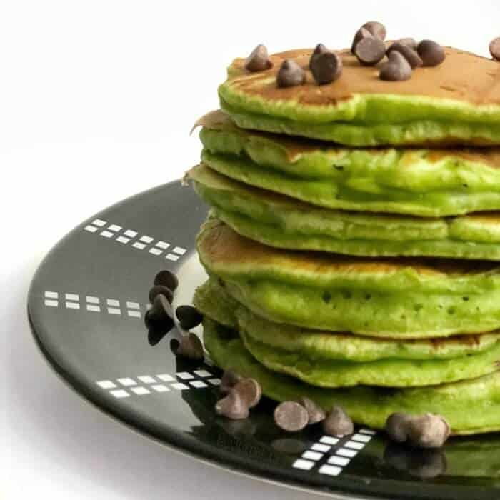 Green Spinach Pancakes- Mint Chocolate Chip!
