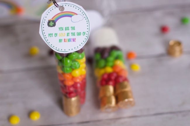 Skittles St Patrick Day Rainbow Treat Bag (free printable)