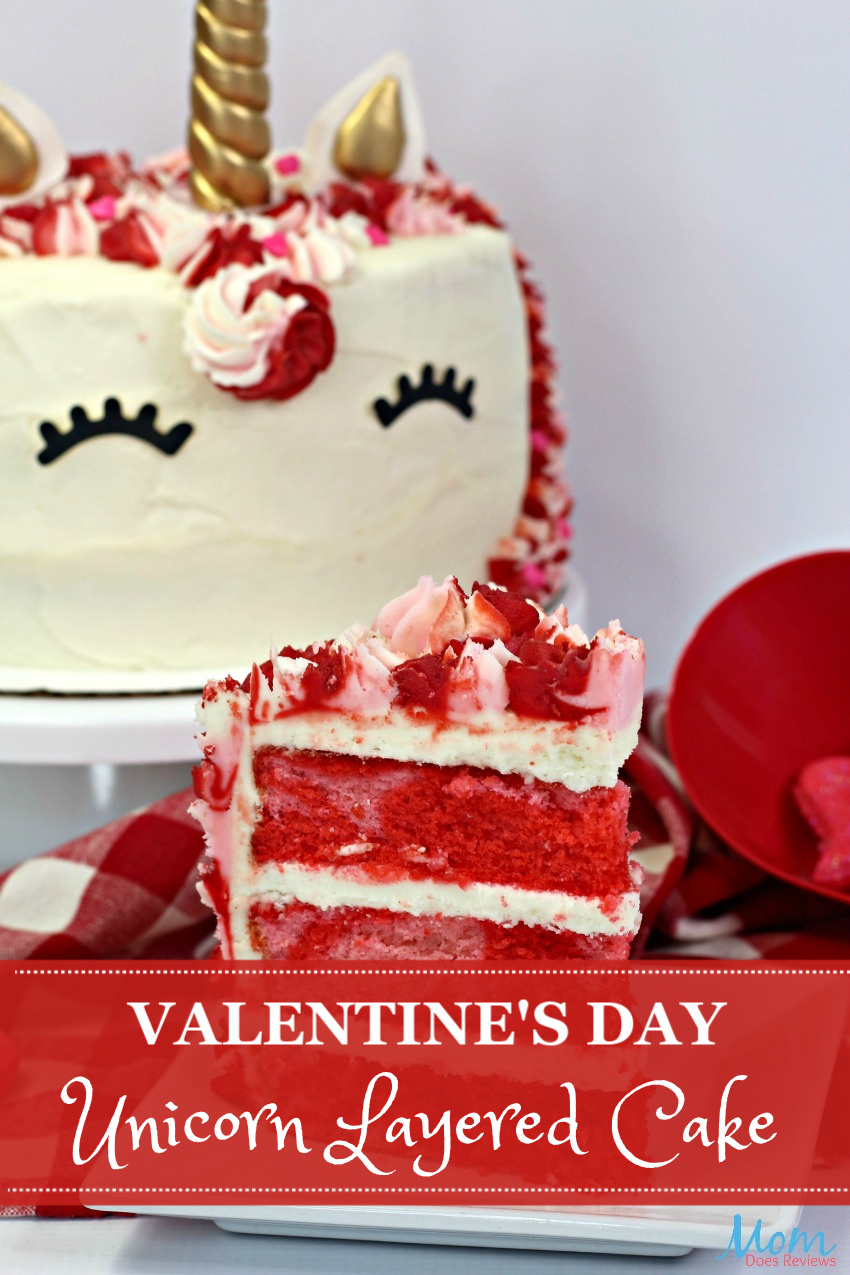 Valentine's Day Unicorn Layered Cake #Recipe & Tutorial #unicorns #dessert