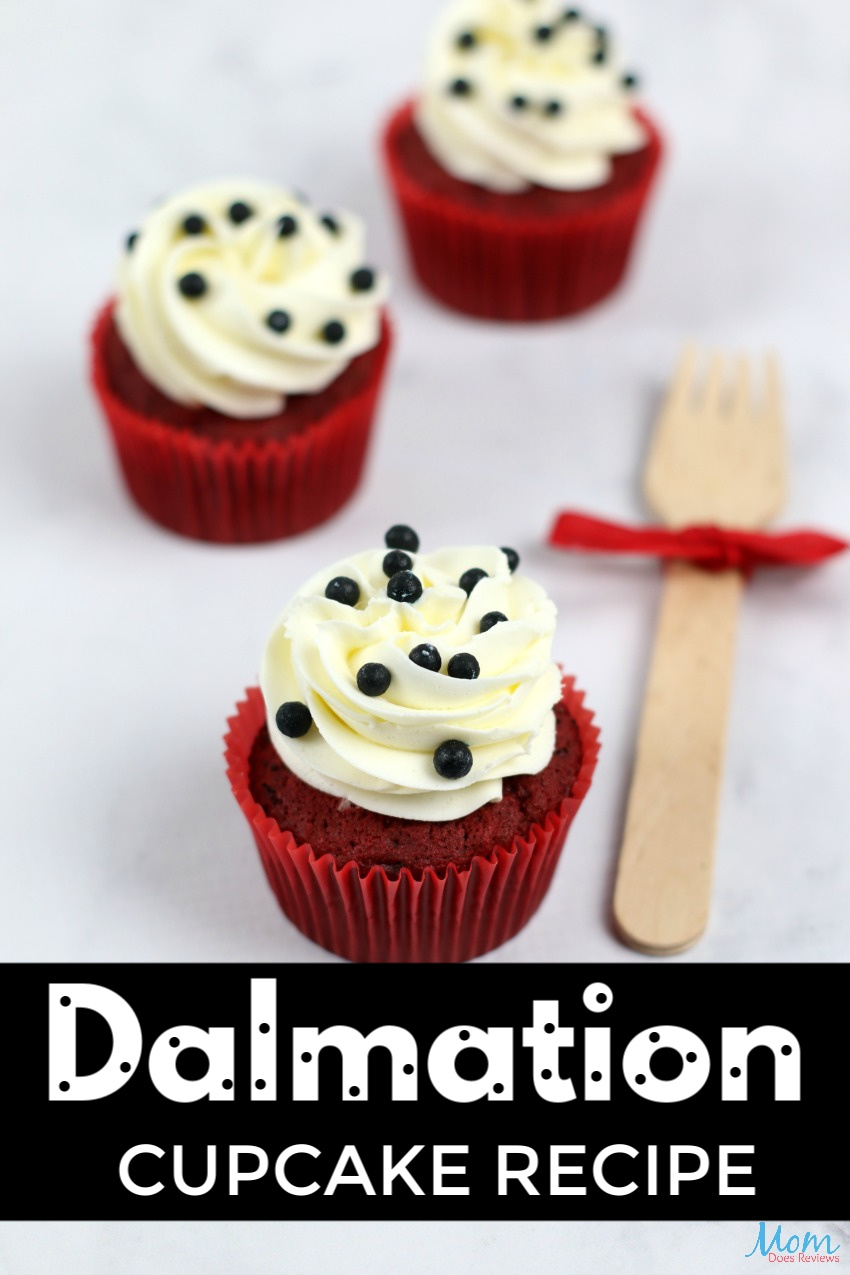 101 Dalmatians Dark Red Velvet Cupcakes with Irish Buttercream Frosting #disney #funfood #cupcakes