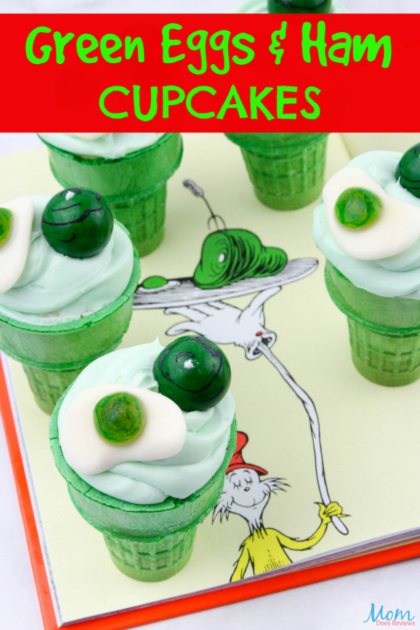 Green Eggs & Ham Cupcakes Recipe & Tutorial #drseuss #funfood #cupcakes