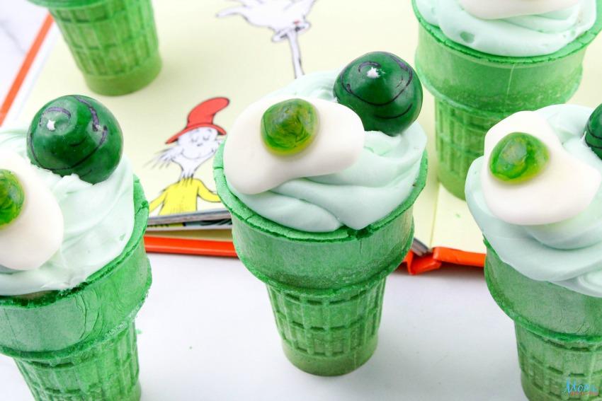 Green Eggs & Ham Cupcakes Recipe & Tutorial
